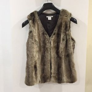 Dalia collection faux fur vest lined luxurious S